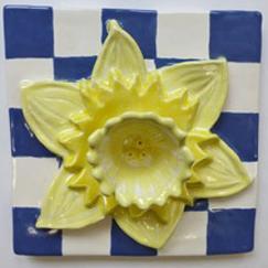 Daffodil, daffodil tile, Nantucket daffodil tile, hand made tile, bas-relief daffodil tile, Nantucket daffodil